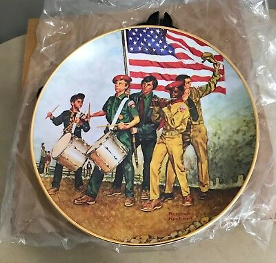 """Norman Rockwell Boy Scouts """"The Spirit of 1976"""" Commemertive Plate"""