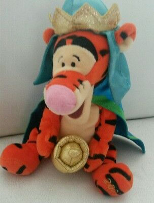 CHRISTMAS THREE KINGS TIGGER PLUSH NEW SOFT TOY  2001 collectors foot stamp