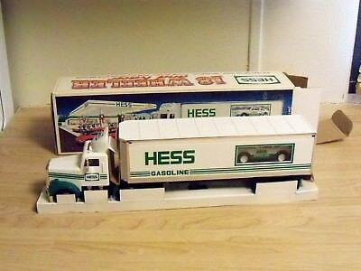 1992 Hess 18 Wheeler and Racer - New In Box