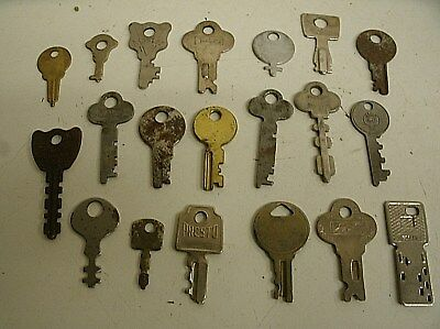 "Vintage Lot of 20 Flat Skeleton assorted Keys steampunk 1""-2"" (L)"