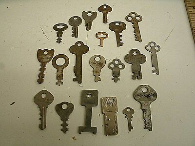"Vintage Lot of 20 Flat Skeleton assorted Keys steampunk 1""-2.25"" (H)"