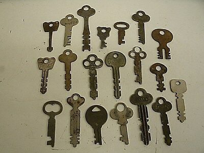 "Vintage Lot of 20 Flat Skeleton assorted Keys steampunk 1.25""-2.75"" (C)"