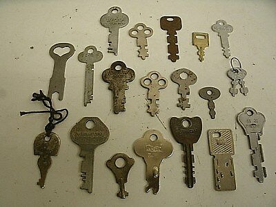 "Vintage Lot of 20 Flat Skeleton assorted Keys steampunk 1""-2"" (G)"