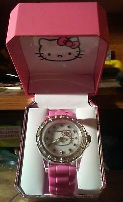 2011 Hello Kitty Wrist Watch Pink Buckle Strap Silver Face New in Box org.34.99