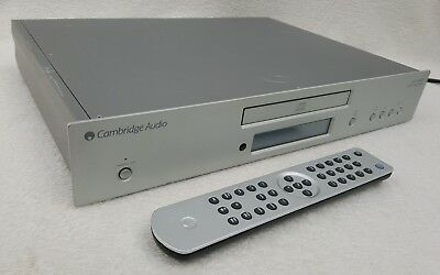 Meridian 207 CD Player/ pre-amplifier and 209 system remote