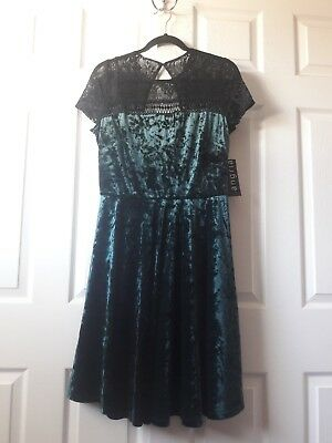 Nwt Sangria Dress Size 12 Petite Velvet Green And Black Lace Short