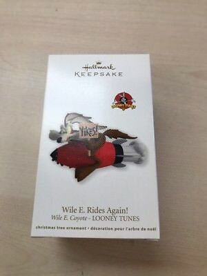 2012 WILE E COYOTE RIDES AGAIN NEW Hallmark Looney Tunes Ornament ROCKET YIKES