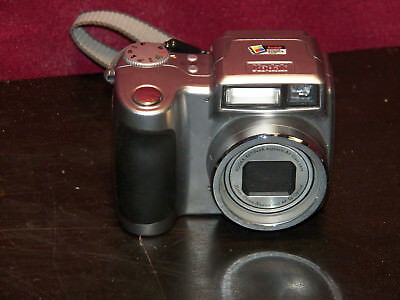 Clean Tested Kodak EasyShare Z700 4.0MP Digital Camera With 5X Optical Zoom