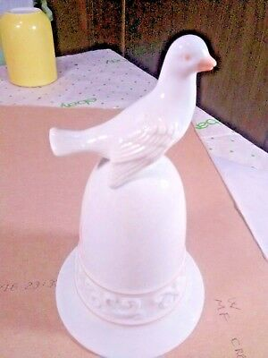 1981 Avon Tapestry Collection Porcelain White Dove Bell Vintage Handcrafted