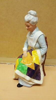 Royal Doulton Bone China Figurine : Eventide Hn 2814 1976 Quilter