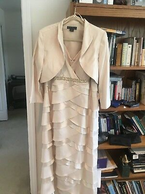 Jessica Howard , Special occasion gown