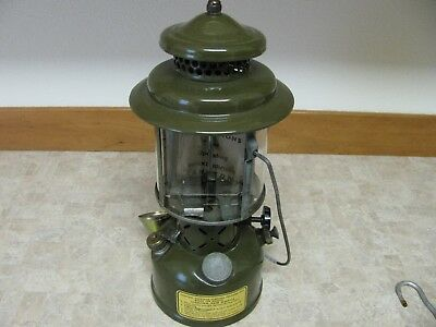 Coleman Mil. Spec. 1952 Korean War Era US Army Military Lantern