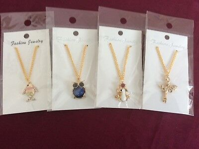 Job Lot Of 4 NEW Items Of Fashion Jewellery MIXED PENDANT NECKLACES 020318.05
