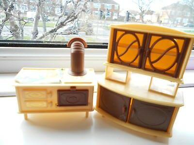 Two Items Of Dolls House Furniture   Collectable