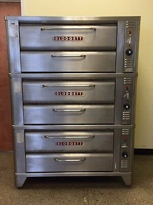 Blodgett 911 Deck Pizza Oven - Triple Stack