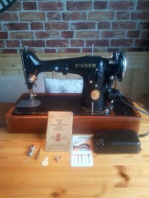 Heavy Duty Singer 201K Electric Sewing Machine sews Leather, Cased 1937 EB064652