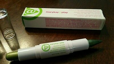 Mary Kay At Play Shadow and Liner  Be in the Mint