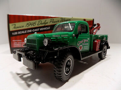 Texaco 1946 Dodge Military Type Power Wagon Tow Truck Texaco Series # 7 MIB