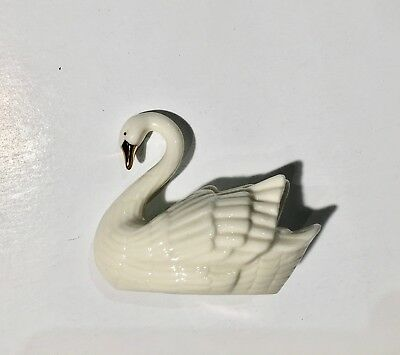 Lenox Swan Figure With Embossed Feathers Cream Color With Gold Trim