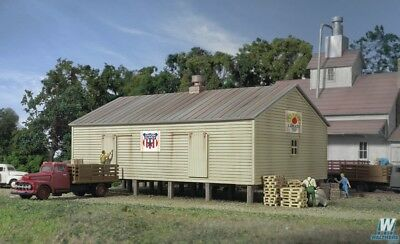 Walthers Cornerstone N Gauge Co-Op Storage Shed Wal9333230