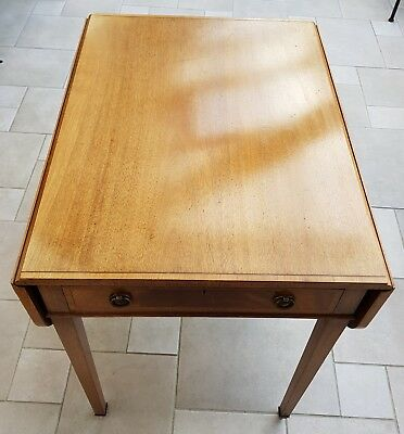Antique style small Dining solid drop leaf table in light oak wood veneers