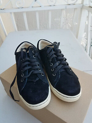 9d4faa42310 UGG AUSTRALIA WOMENS 1005484 White Black Tomi Sneaker Lace Up Suede Size 6