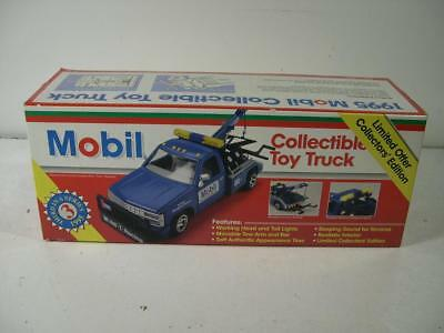 Mobil Wrecker Tow Truck Toy 1:24 Scale 1995 Limited Edition 3rd in Serie NIB NEW