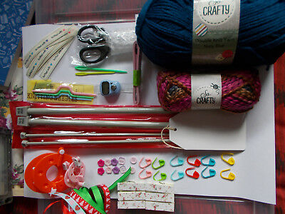 KNITTING KIT with Floral Craft Storage Case and DK Knitting Book. (60 items) NEW