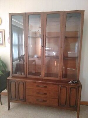 Mid-Century Modern Broyhill Essence Hutch EXCELLENT CONDITION