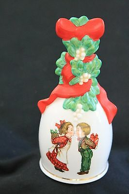 Avon PORCELAIN BELL 1989 HOLIDAY NIB