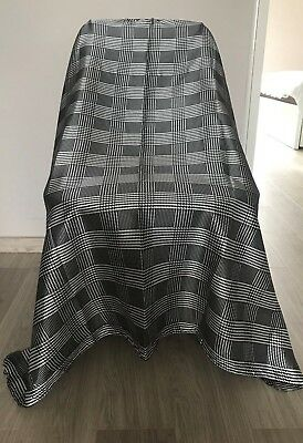 Capes Gowns Barber Shop Salon Hairdresser Premium Quality Designer Burberry