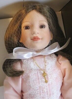"""""""Heather"""" 16"""" Porcelain Limited Edition Doll by Robert Tonner - NIB"""