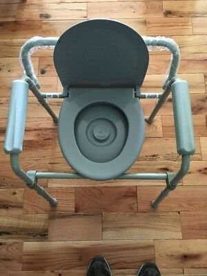 Toilet Chair Senior Bedside Commode Seat Handicap Folding Bucket Splash Guard