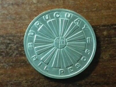 Uruguay 1969 -MIL PESOS F.A.O.- without tear - UNC -Silver 25 Grs -37 mm  - # 17