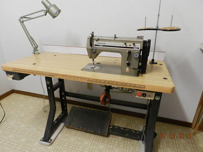 20U 33  Singer  Industrial  Sewing  Machine---Great  Condition