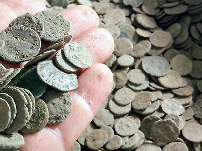 Roman Empire - Large collection of 70 Roman bronze coins - not cleaned