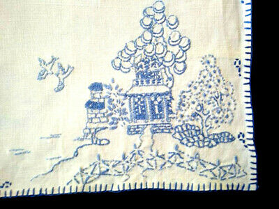 Wonderful Blue Willow ~ Vintage hand embroidered Centrepiece/mat