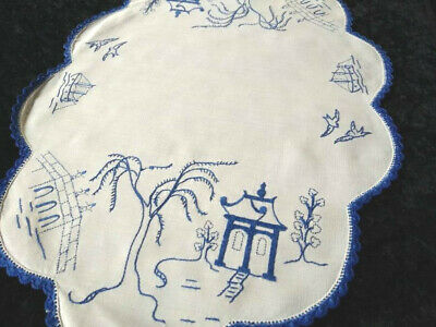 Willow pattern Large Centrepiece ~ Vintage hand embroidered