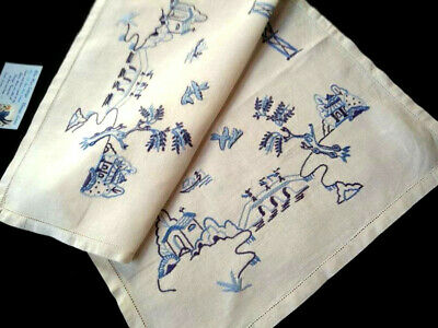 Wonderful Blue Willow ~ Vintage hand embroidered Large Centrepiece/mat