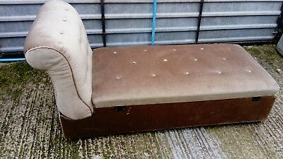 Antique day bed sofa chaise Long ottoman