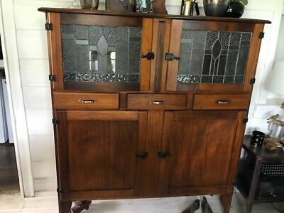 BEAUTIFUL 1930's LEADLIGHT TIMBER KITCHEN DRESSER CABINET CUPBOARD
