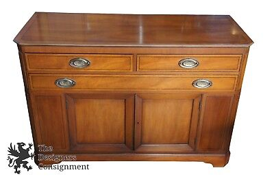 Henredon Heritage Mid CenturyTraditional Walnut Buffet Sideboard Server Cabinet
