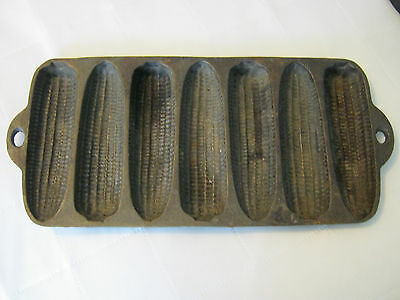 Vintage cast iron 7 ear corn bread muffin pan mold made in USA