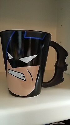 Rare BATMAN Animated Adventures Mug Warner Brothers Studio Store WBSS Batarang