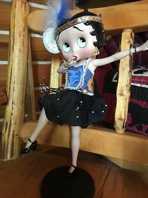Rare  Collectible Betty Boop Can can In Blur &Black Outfit Figurine . Love This