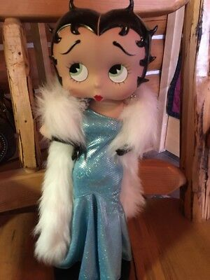 Rare  Collectible Betty Boop In Beautiful Long Gown With White Fur Love This One