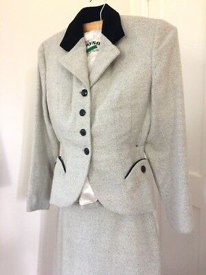 """Vintage 1940s Ladies' Suit. Pencil skirt, fitted jacket. Crayson 36"""" bust."""