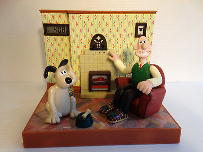 Wallace & Gromit Radio Alarm Talking Clock by Wesco - Great Working Order!