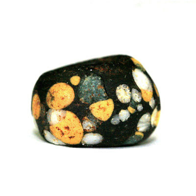 A Roman Period glass paste bead y2953