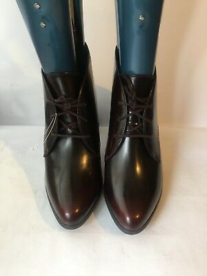 Clarks genuine leather lace up ladies womens burgundy heels size 5.5 boots shoes